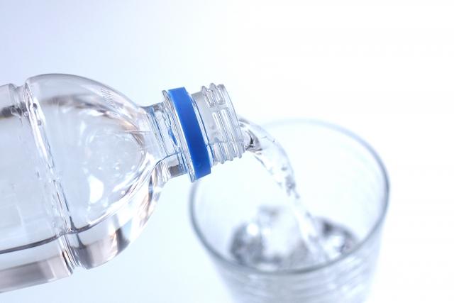 1回のみもOK!オイシックス 水の定期サービスの口コミ!おいトク