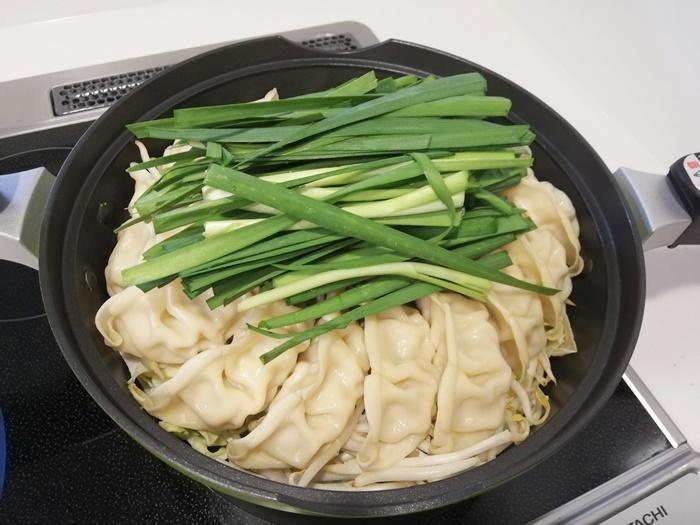 鍋キットコース_ジューシー餃子の濃厚みそ鍋25